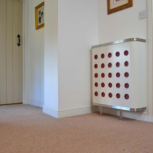 YOYO White / Red Radiator Cover